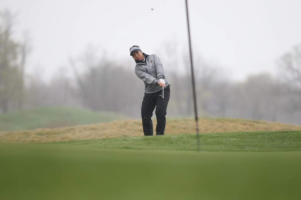 Salort Leads Flashes After First Round of MAC Championships